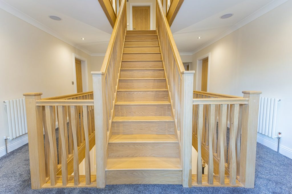 Full Oak with Square Twist Spindles 34